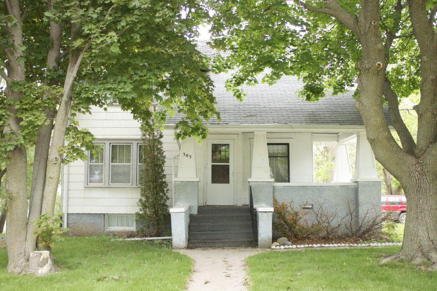 4 Bedroom Home, 303 So Bismark Street