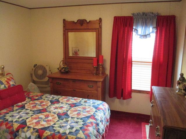 P19woracekbedroom2.jpg