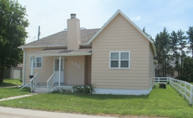 2 Bedroom Home, 728 South F Street