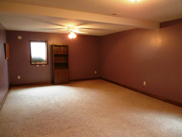 basementbedroom2-1.jpg