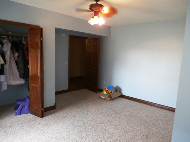 upstairs-bedroom-2-2.jpg