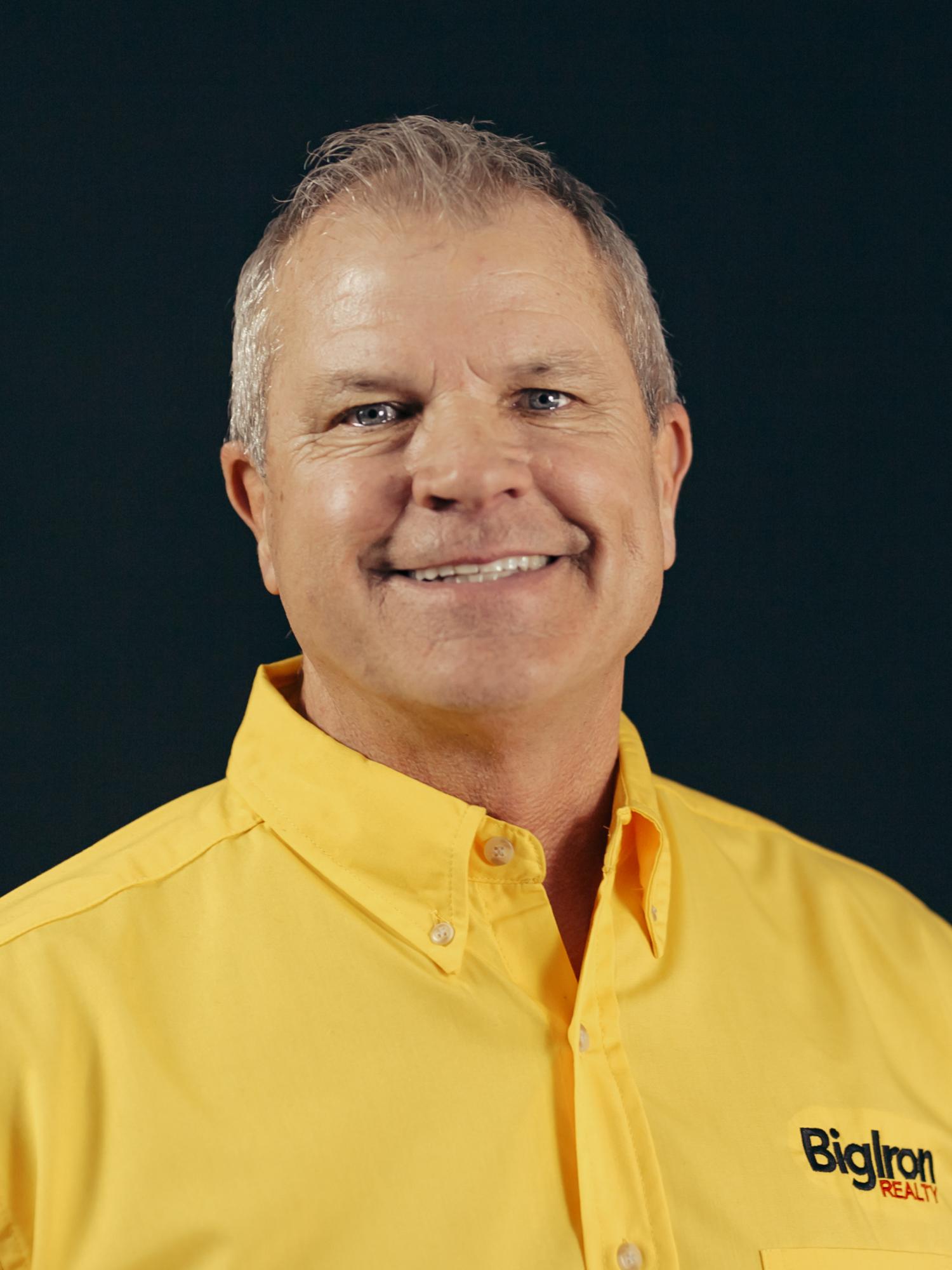 Jerry-Hoegh2-yellow-shirt-150x150.jpg
