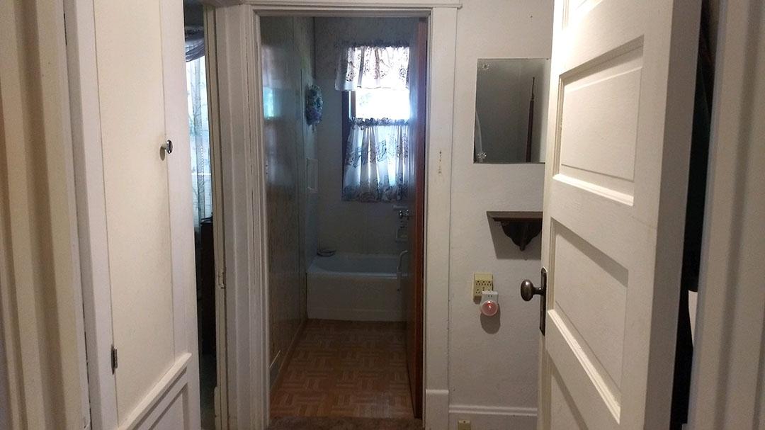 Glesinger-Hallway.jpg