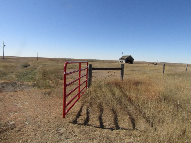 tract-3-gate-to-well-and-pasture.jpg