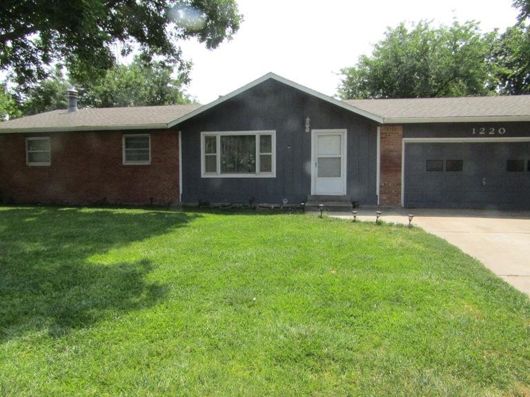 1220 East 8th Street Colby, Kansas