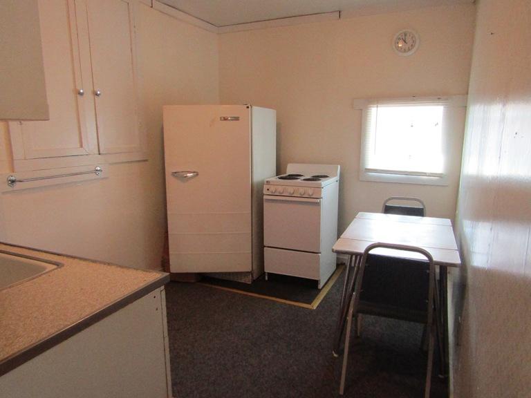 470-W-Cedar-west-kitchen-1.jpg