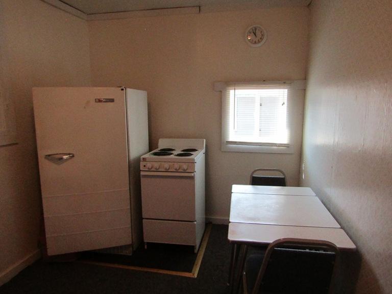 470-W-Cedar-west-kitchen-2.jpg